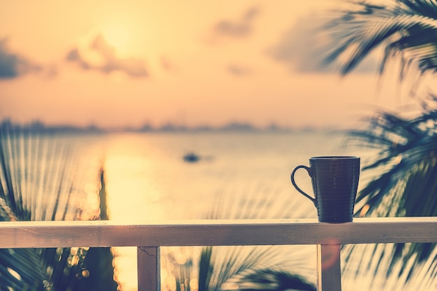 Zonsondergang schotel cafeïne vloeistof hot