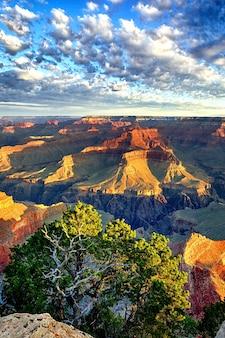 Zonsopgang bij grand canyon, arizona, vs.
