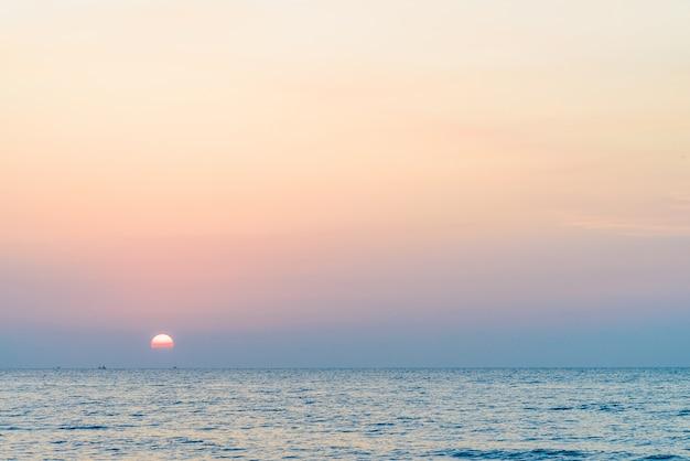 Zonsopgang zee