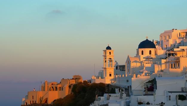 Zonsopgangmening van imerovigli. santorini, griekenland
