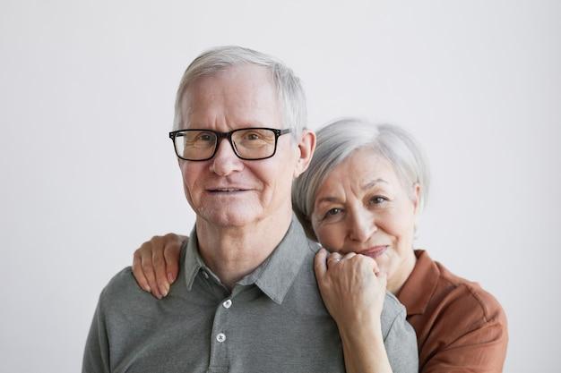 Zorgzaam senior koppel