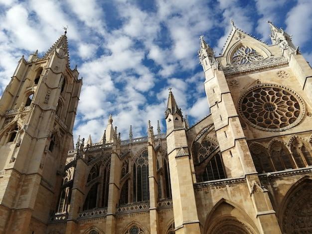 Zuidgevel van de kathedraal van leon