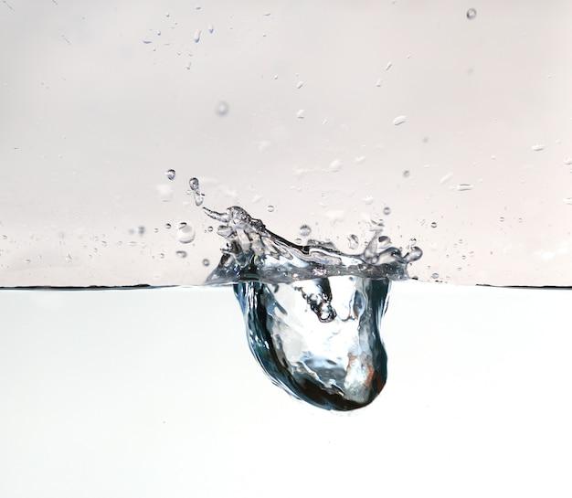 Zuiver water splash met bel