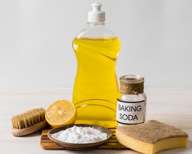 Zuiveringszout gebruiken voor biologische schoonmaakproducten voor het huis