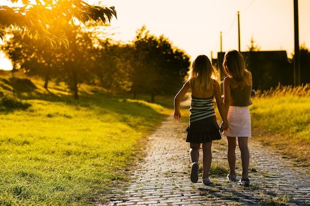 Zusters op pad