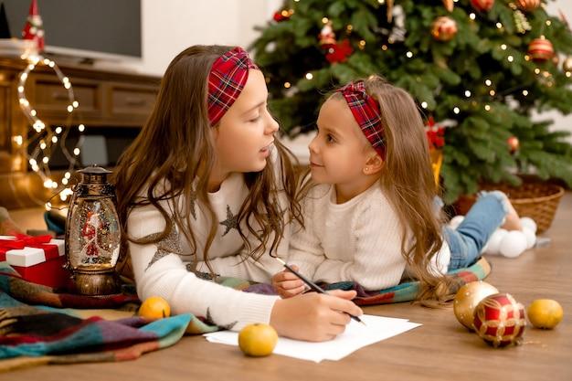 Zusters schrijven brief aan de kerstman