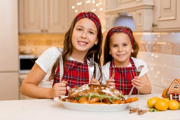 Zusters thuis eten