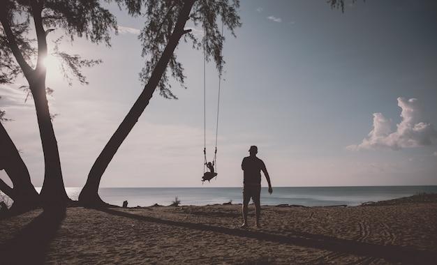 Zwaai op het strand