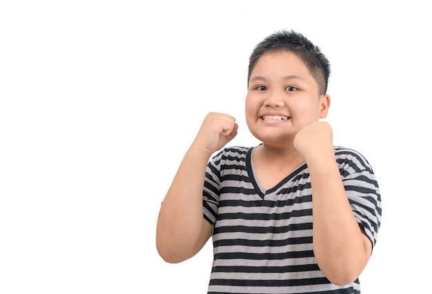 Zwaarlijvige dikke jongen glimlach en voelt blij of tevreden gezicht geïsoleerd