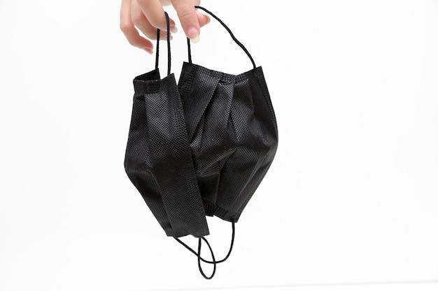 Zwart beschermend masker om jezelf te beschermen tegen covid19 delta