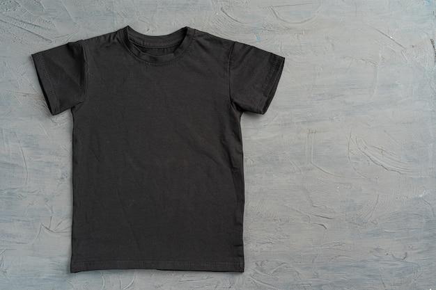 Zwart effen t-shirt met kopie ruimte