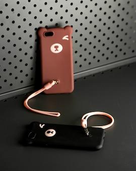 Zwart en bruin holster met staart voor iphone