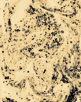 Zwart holikleurpoeder die zich op vloeibare achtergrond mengen