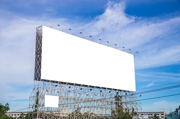 Zwart reclamebord voor nieuwe advertentie