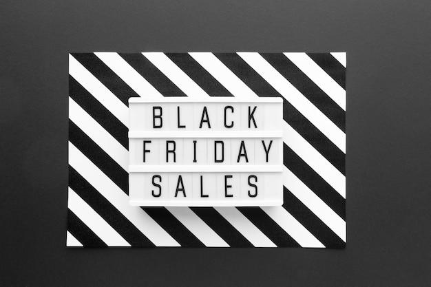 Zwart vrijdagassortiment op zwarte achtergrond