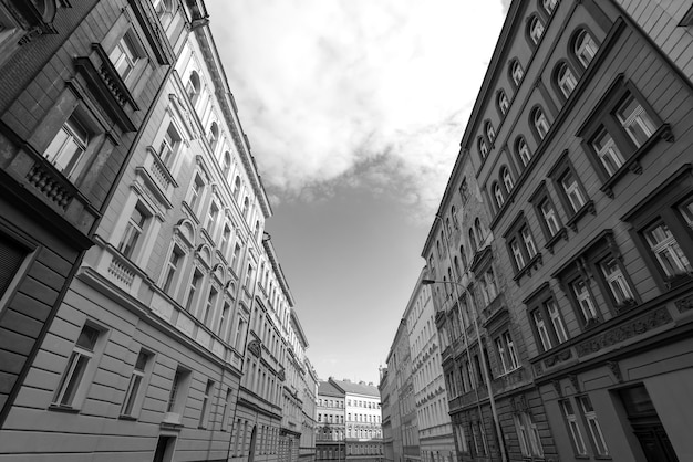 Zwart-wit foto van gebouwen