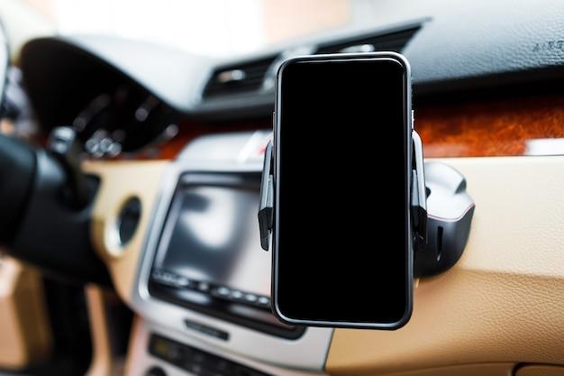 Zwarte auto smartphone houder