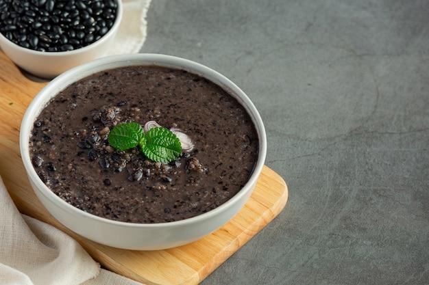 Zwarte bonen zoete dessertschotel