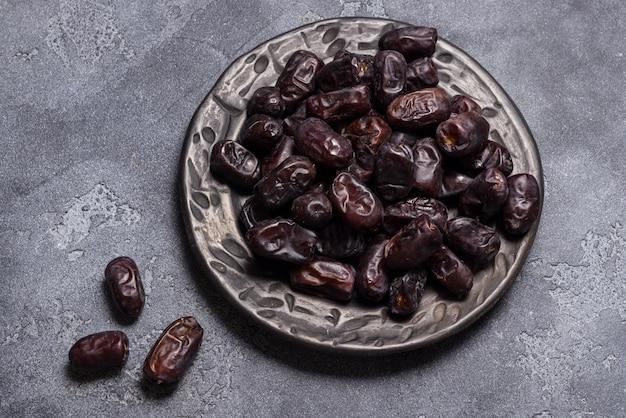 Zwarte dadels gezond gedroogd fruit