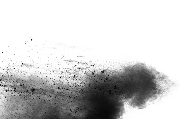 Zwarte deeltjes splatter op witte achtergrond. zwart poeder stof burst.