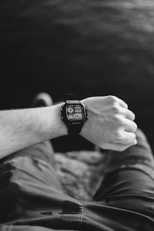 Zwarte digitale smartwatch