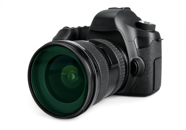 Zwarte dslr-camera die op wit wordt geïsoleerd