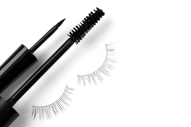 Zwarte eyeliner mascara en wimpers