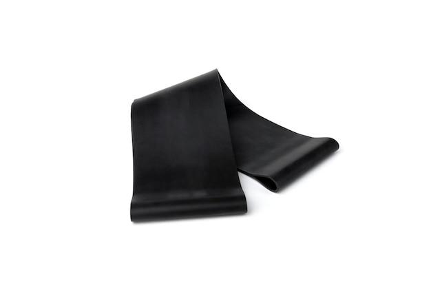 Zwarte fitness elastische band voor sport geïsoleerd op een witte achtergrond.