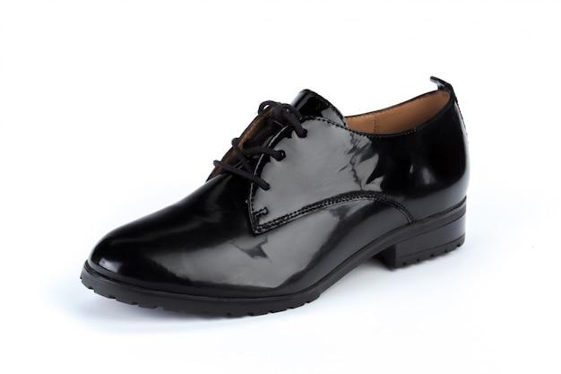 Zwarte geïsoleerde leer formele mannelijke schoenen