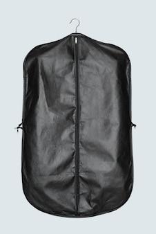 Zwarte kledingtas voor het opbergen en beschermen van pakken suit