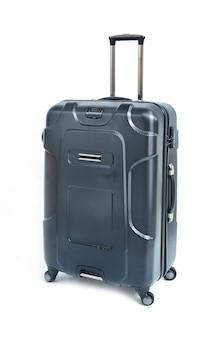 Zwarte koffer die op wit wordt geïsoleerd