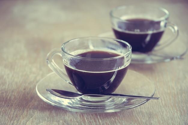 Zwarte koffie in kop