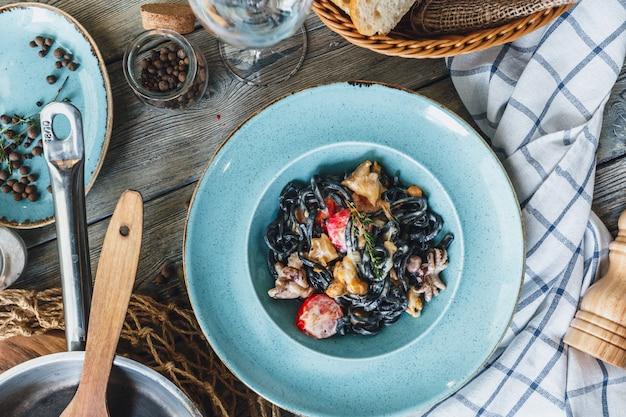 Zwarte pasta met garnalen