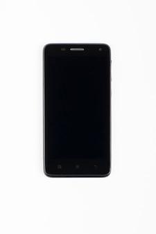 Zwarte telefoon op een witte achtergrond
