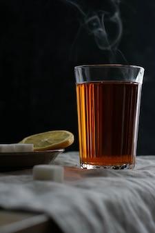 Zwarte thee met citroen