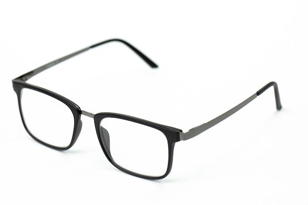 Zwarte vintage bril geïsoleerd op wit