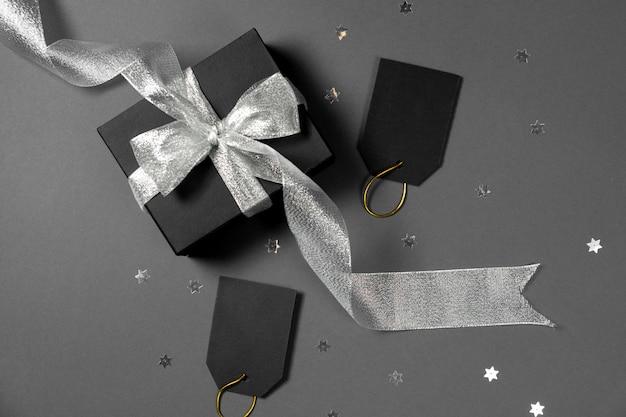 Zwarte vrijdag cadeau geschenk aanwezig geïsoleerd.