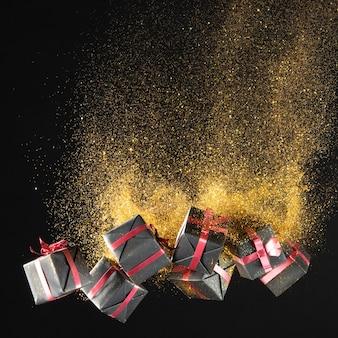 Zwarte vrijdag cadeaus met gouden glitter