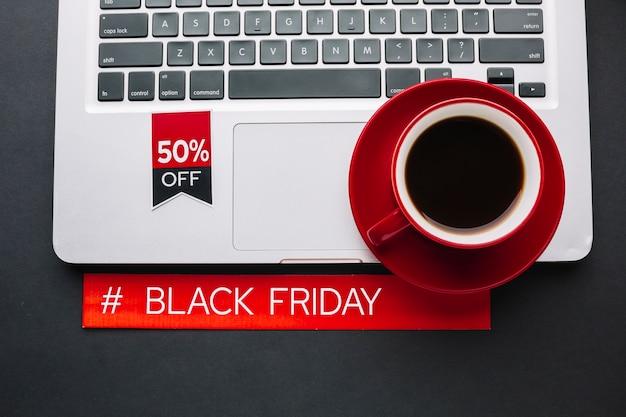 Zwarte vrijdagkorting met macbook