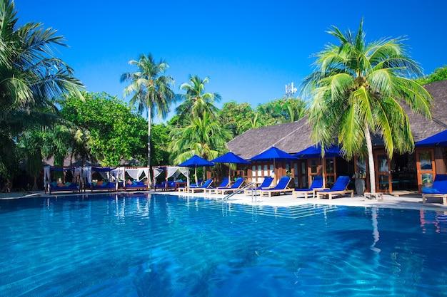 Zwembad in hotel thailand
