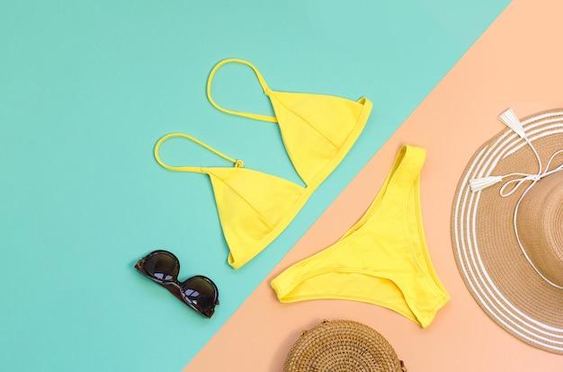 Zwempak met zonnebrilzak en hoed