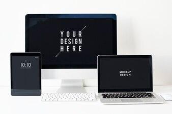 Set van digitale apparaten scherm mockup