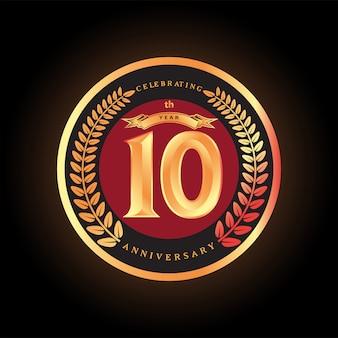 10e verjaardag die klassiek vectorembleemontwerp viert