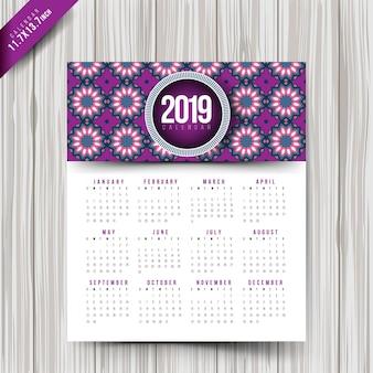 2019 kalender met kleurrijke patronen