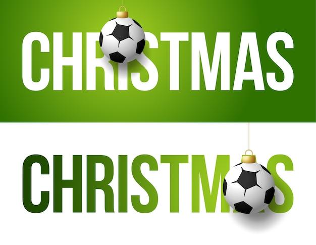 2021 gelukkig nieuwjaar sport wenskaart met een voetbal of voetbal