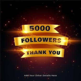 5000 volgers bedanken achtergrond in gouden stijl