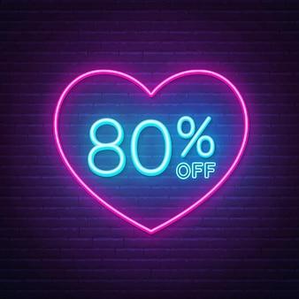 80 procent korting op neonreclame in een hartvorm frame. valentijnsdag korting lichtontwerp.
