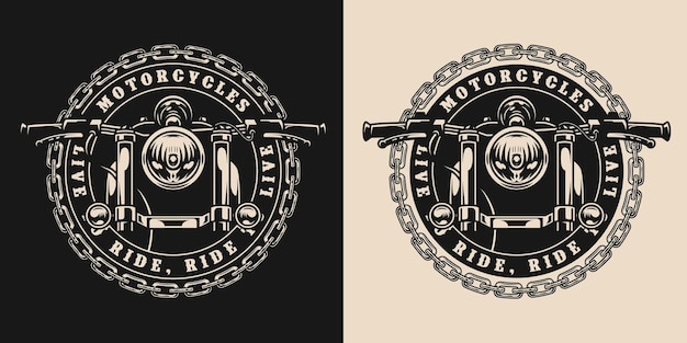 Aangepaste motorfiets ronde vintage badge met metalen ketting en vooraanzicht van klassieke motor in zwart-wit stijl