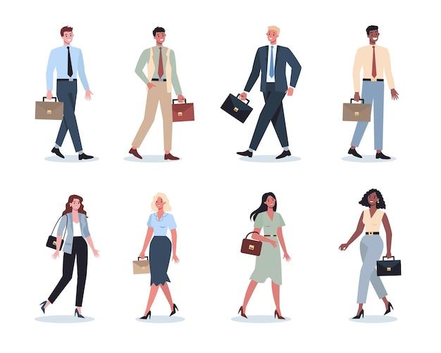 Aantal jonge ondernemers onderweg. vrouwelijke en mannelijke karakter lopen en houden een koffer. succesvolle werknemer, prestatieconcept.