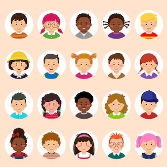 Aantal kinderen gezichten, avatars, kinderen hoofden verschillende nationaliteit in vlakke stijl.